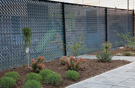 Sichtschutzstreifen für Gitterzaun und Maschendraht; nachhaltig ...